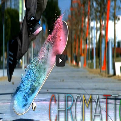 Photo of Pó colorido com skate – Slow Motion