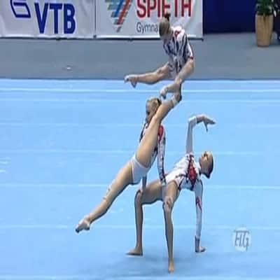 Apresentação de 3 ginastas ucranianas 1