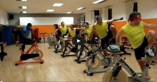 Uma aula de spinning, mais incrível que você vai ver esse ano. 3