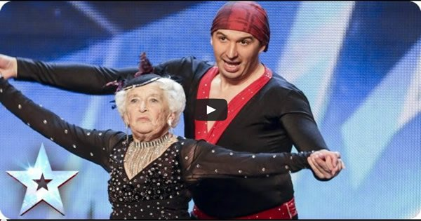Photo of Bizavó de 79 anos faz um show no Britain's Got Talent