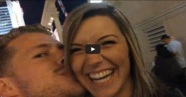 Selfie com beijo surpresa 1