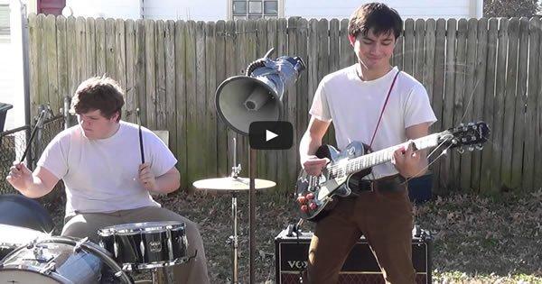 Uma banda de Fundo de quintal que tem muito talento 1