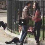 O que acontece quando uma mulher bate em um homem em público