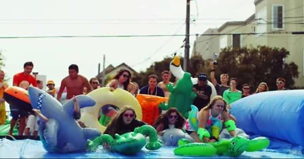Como se divertir na rua - Uma festa incrível 1