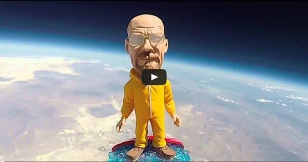 Boneco do Walter White vai até o espaço em balão de gás 3