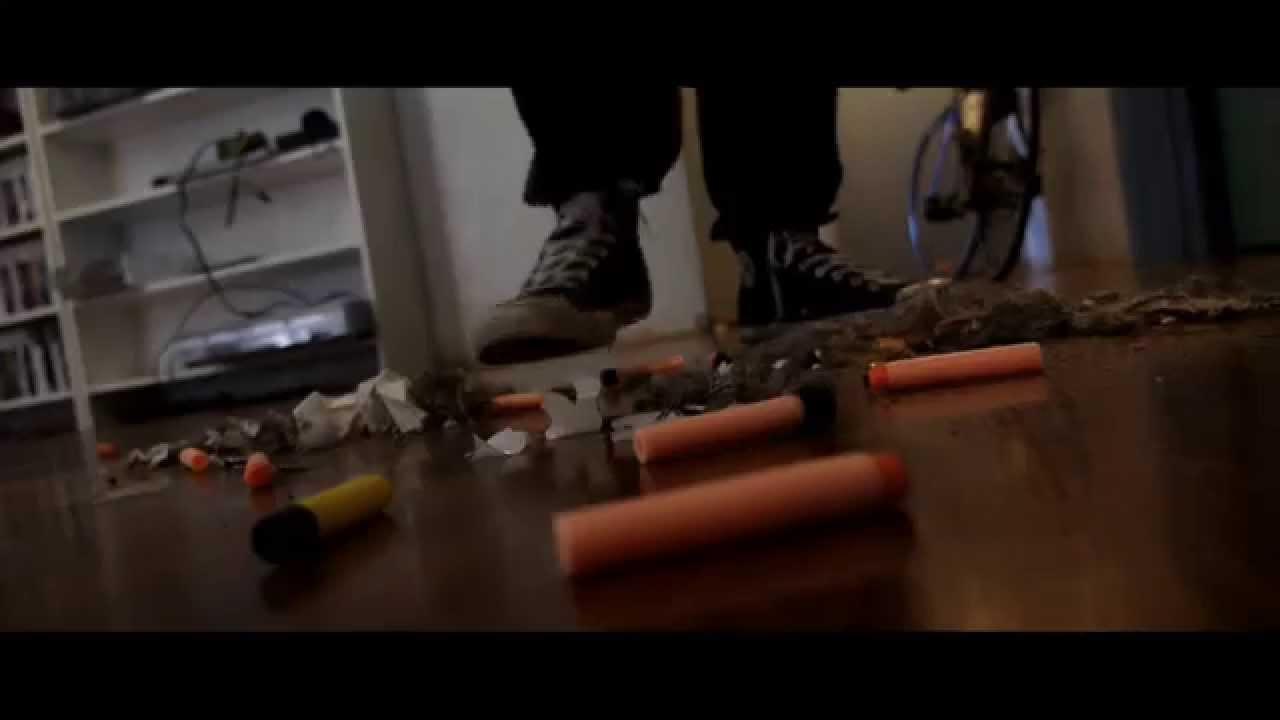 A épica batalha com armas de brinquedo 1