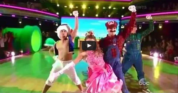 Dança dos Famosos - Apresentação com tema Super Mario Bros 2