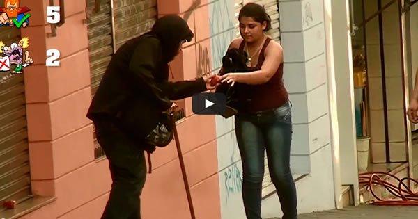 Você ajudaria um Morador de Rua Machucado ? ( Teste Social ) 3