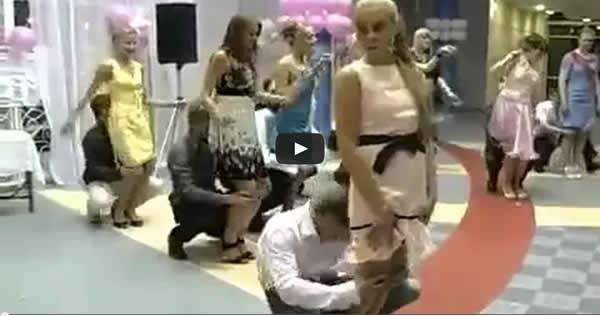 A competição mais estranha que você vai ver em um casamento 7