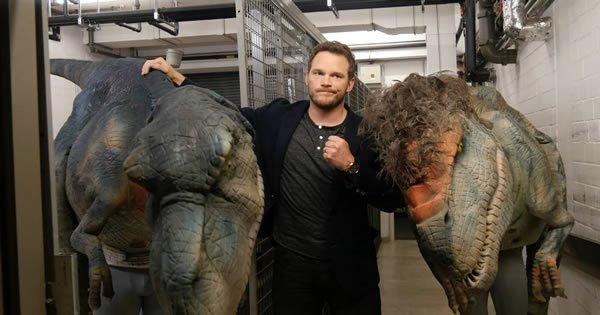 Chris Pratt cai em uma pegadinha 2