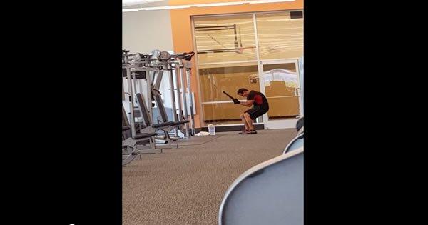 Um exercício diferente na academia 3