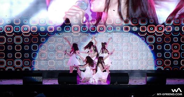 Apresentação quase perfeita de um grupo coreano 2
