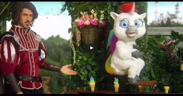 O comercial mais bizarro com unicórnio que você vai ver 7