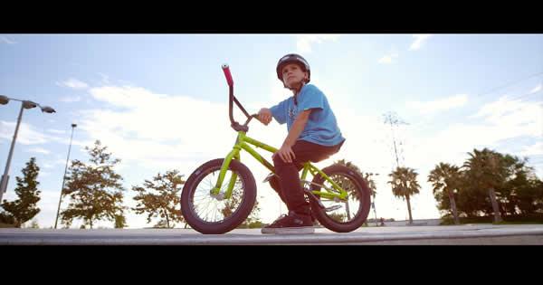 Veja o que esse garoto de 10 anos faz com uma bike 7
