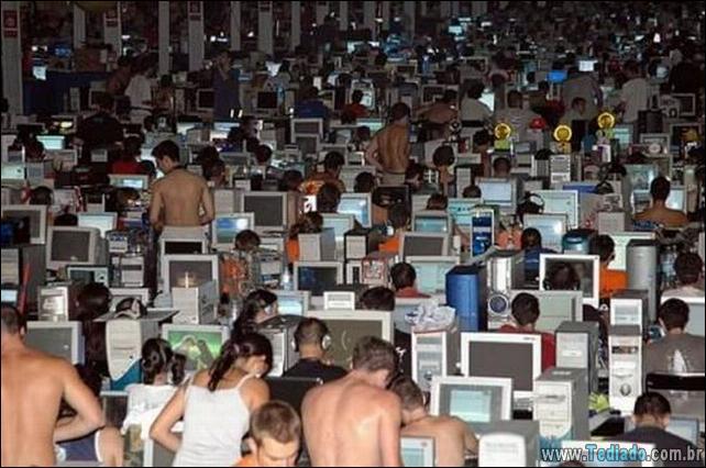 pessoas-viciandas-em-computadores-12
