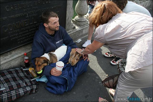 morador-de-rua-e-seus-cachorros-09