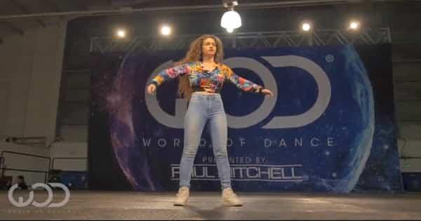 Você dança como eu danço - Menina Robô 6