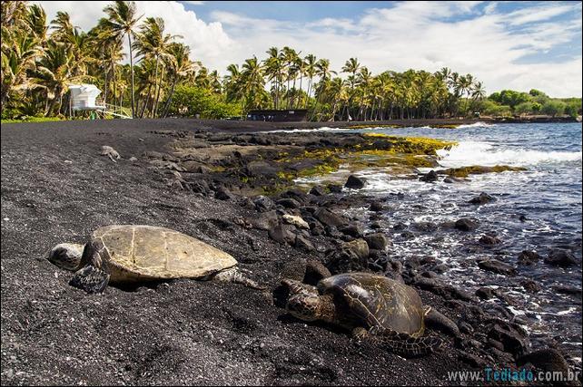 8 praias de areia negra fantásticas no mundo 2