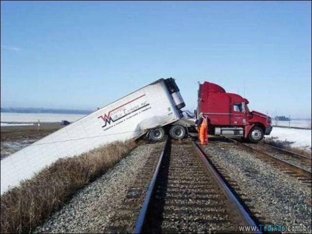 acidente-bizarro-11
