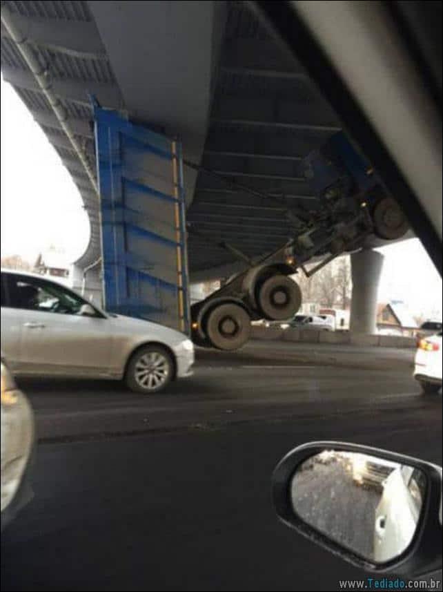 acidente-bizarro-23