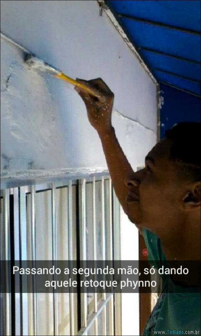 felicidade-jovem-pintura-casa-13