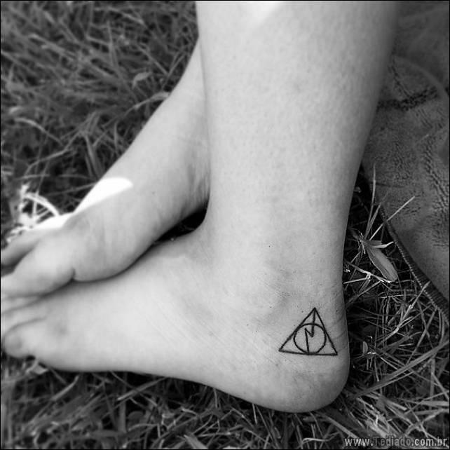 ideias-tatuagens-no-pe-33