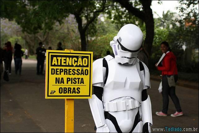 brasileiros-zueira-remedio-rir-05