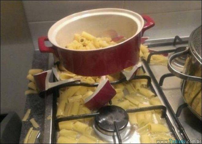 os-piores-momentos-na-cozinha-12