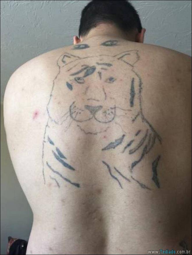 24 Tatuagens feias e estranhas já feitas 11
