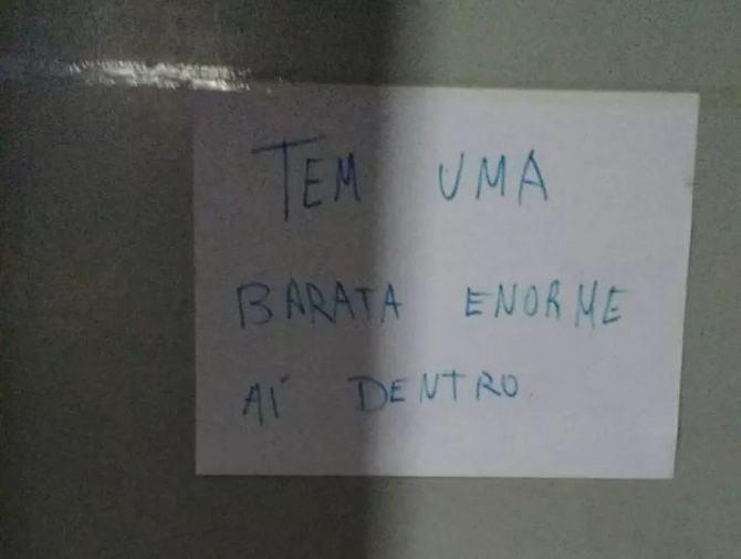 18 avisos engraçados que você só encontra nos banheiros brasileiros 2