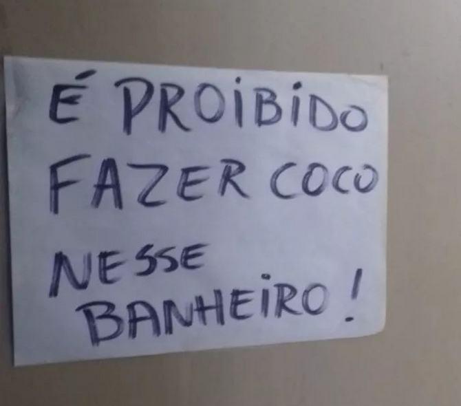 18 avisos engraçados que você só encontra nos banheiros brasileiros 3