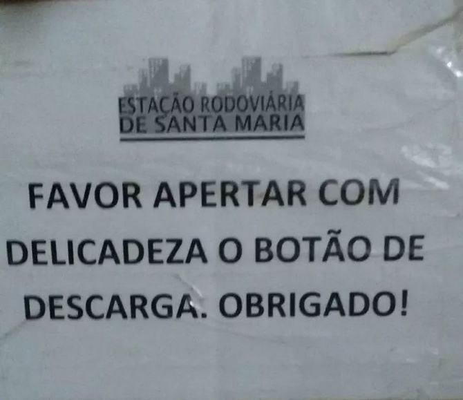 18 avisos engraçados que você só encontra nos banheiros brasileiros 8