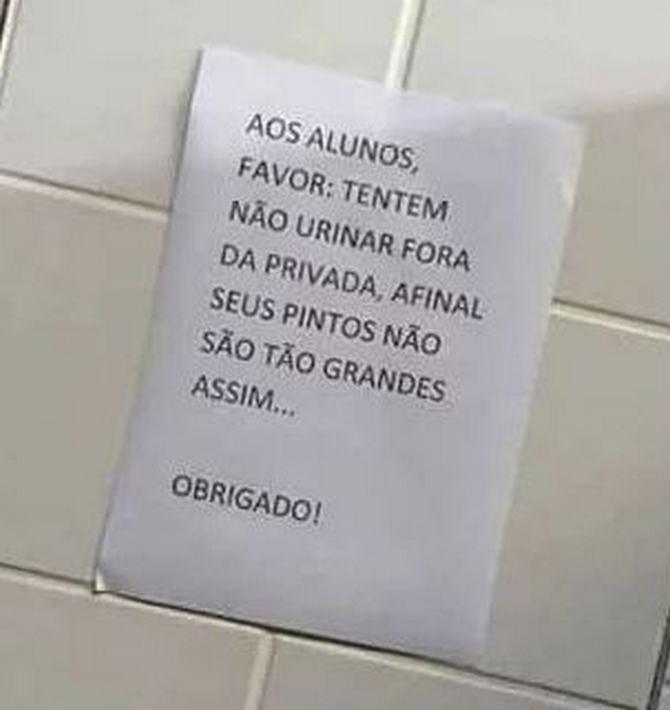 18 avisos engraçados que você só encontra nos banheiros brasileiros 9