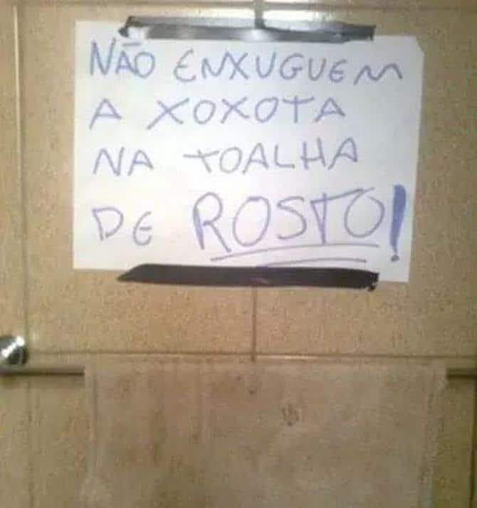 18 avisos engraçados que você só encontra nos banheiros brasileiros 18
