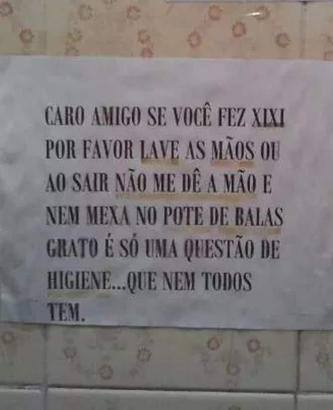 18 avisos engraçados que você só encontra nos banheiros brasileiros 19