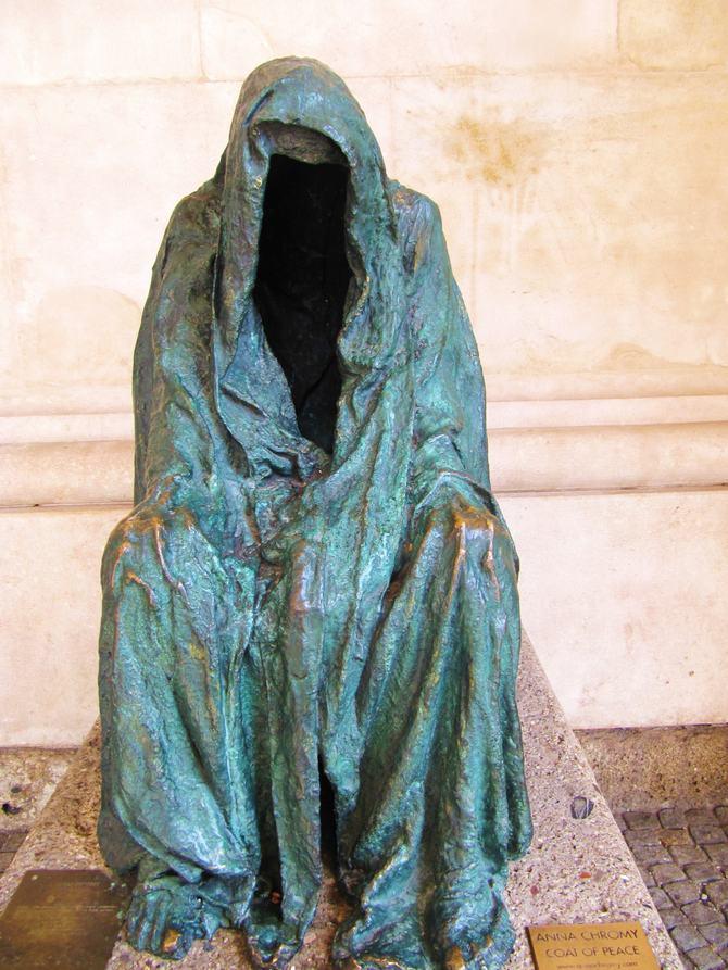 9 esculturas que assustam e surpreendem ao mesmo tempo 5