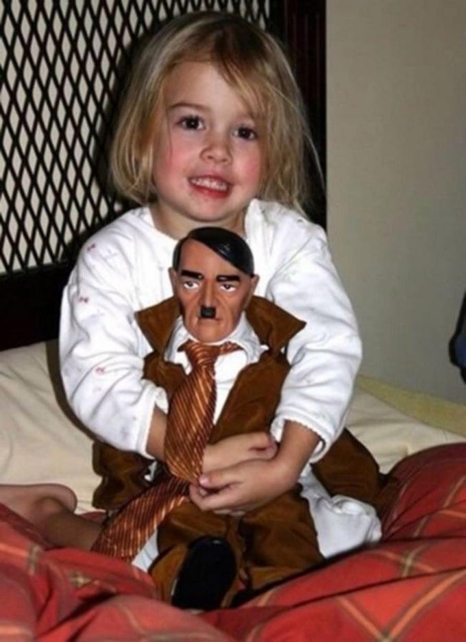 16 brinquedos estranhos criados por pessoas que não parecem gostar de crianças 12