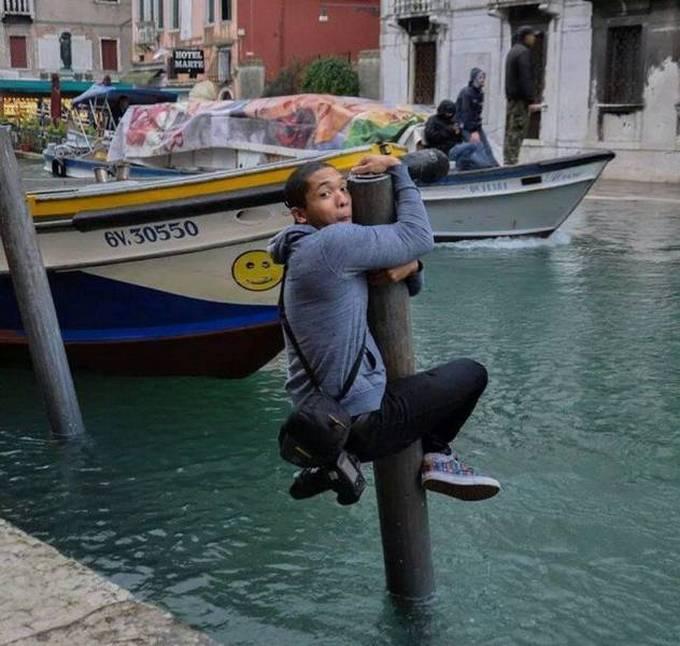 Homens fazendo coisas estranhas e malucas (32 fotos) 18