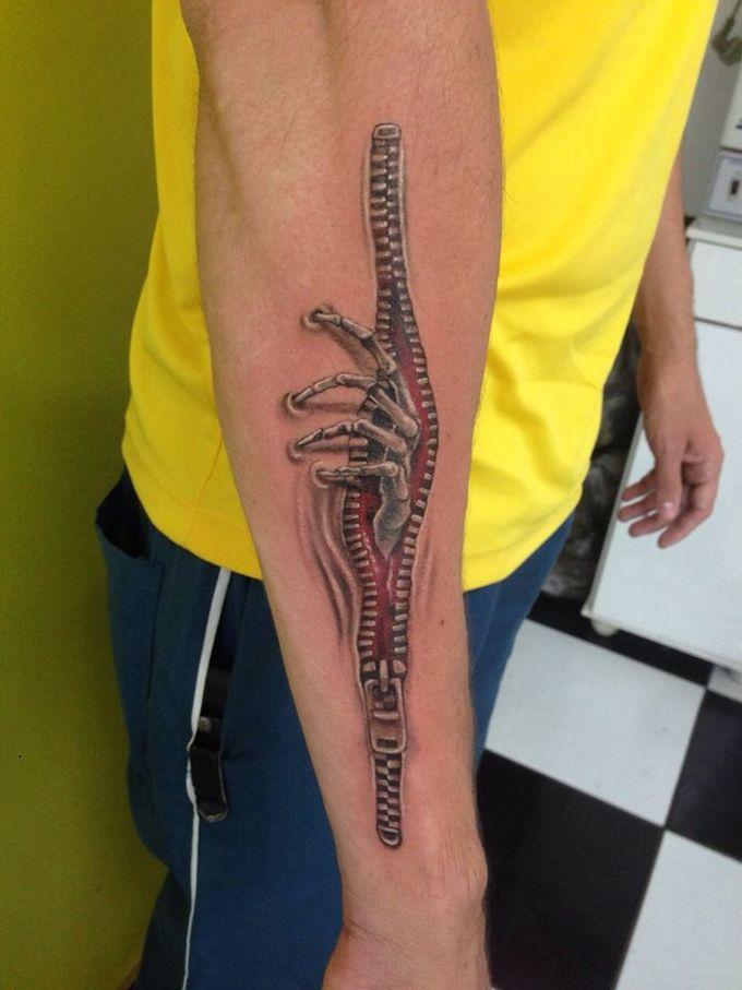 35 tatuagens loucas que são muito realistas 2