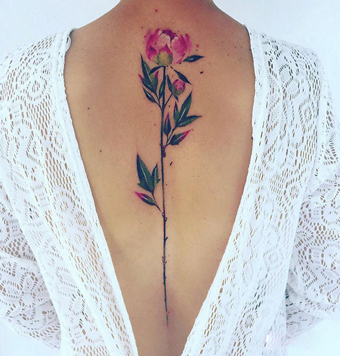 33 inspirações de tatuagem para fazer na coluna 23