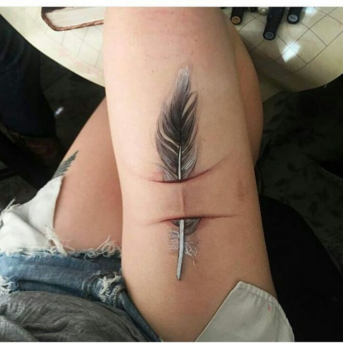 21 tatuagens que transformam cicatrizes em obras de arte 14