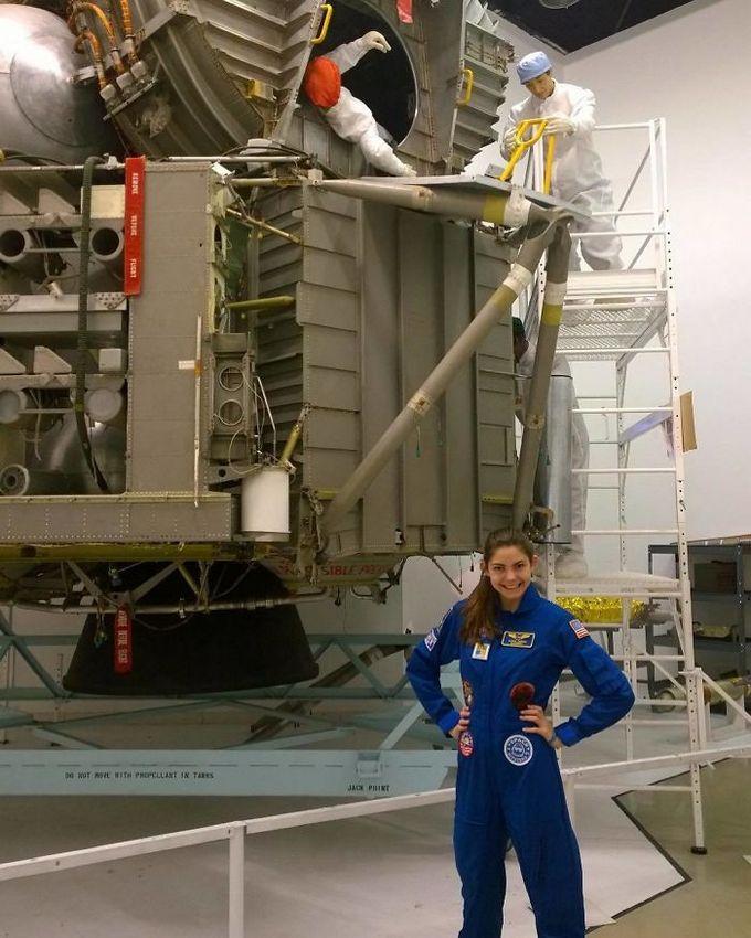 Garota de apenas 17 anos está sendo treinada pela NASA para ser a primeira pessoa em Marte 8