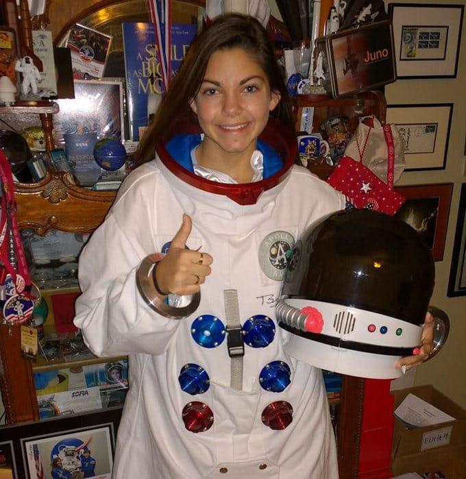 Garota de apenas 17 anos está sendo treinada pela NASA para ser a primeira pessoa em Marte 9