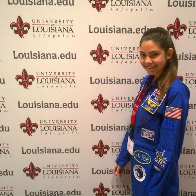 Garota de apenas 17 anos está sendo treinada pela NASA para ser a primeira pessoa em Marte 12