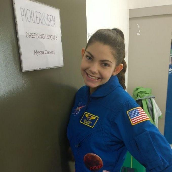 Garota de apenas 17 anos está sendo treinada pela NASA para ser a primeira pessoa em Marte 18