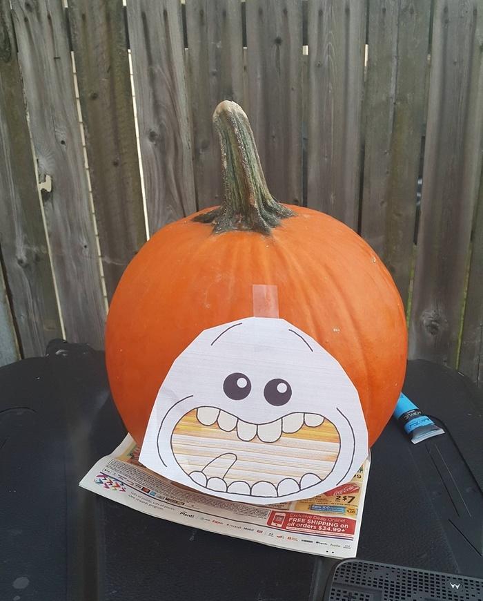 Deixe-me demonstrar a maneira mais rápida de decorar a sua casa para o Halloween