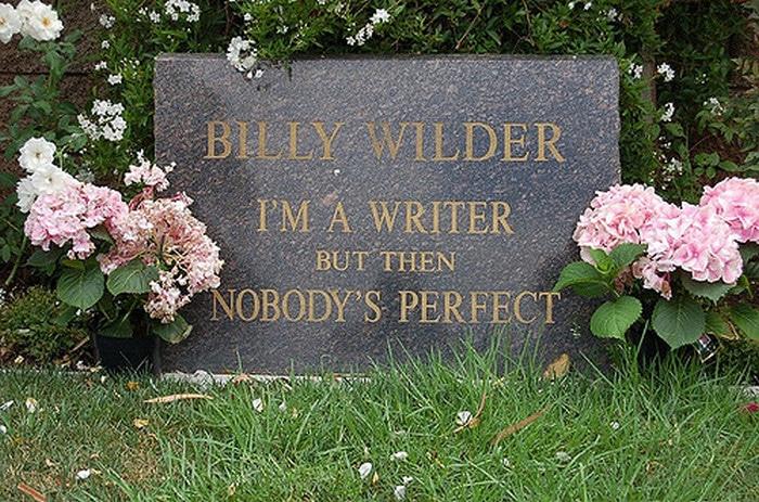 Sou um escritor, mas então, ninguém é perfeito