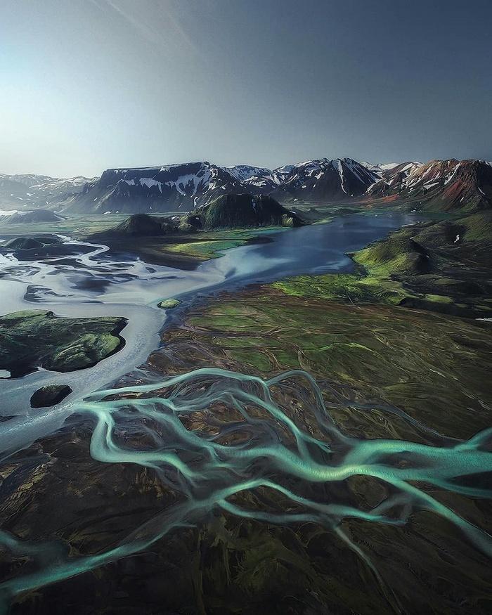 Cores surpreendentes das montanhas da Islândia