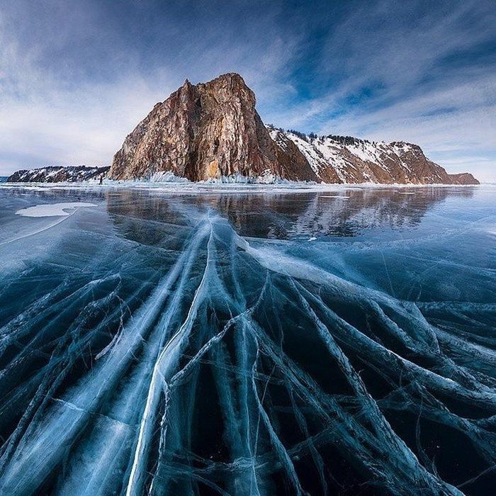 Lago Bailkal no inverno, Rússia.