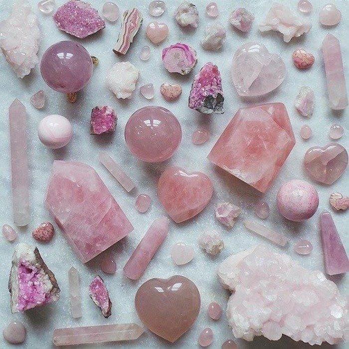 Quartzo rosa para buscar sucesso no romance